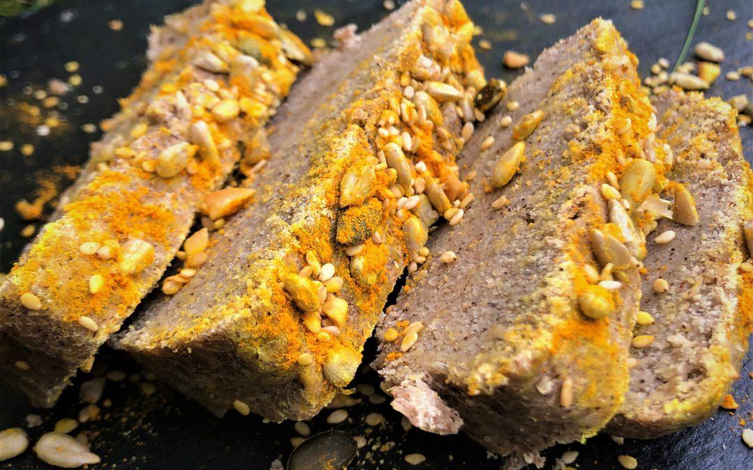 Pain doré aux graines sans gluten.
